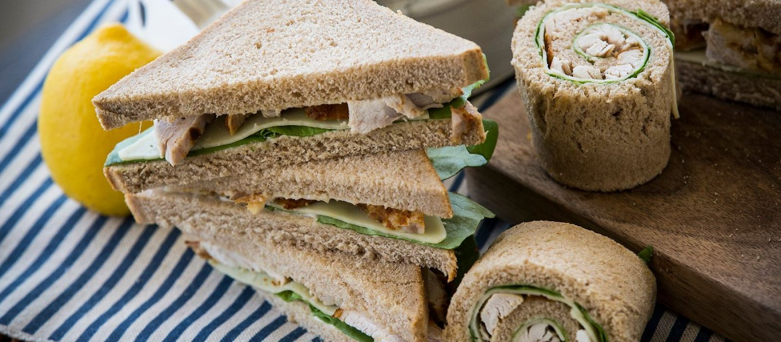 <span>Zin sliced bread with Roasted Chicken &amp; Aromatic Mayonnaise Spread (light)</span>